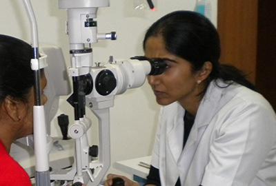 Dr-Surabhi-Dutt-senior-eye-specialist.
